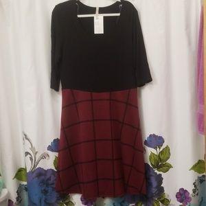 Gilli dress sz 3X black / wine